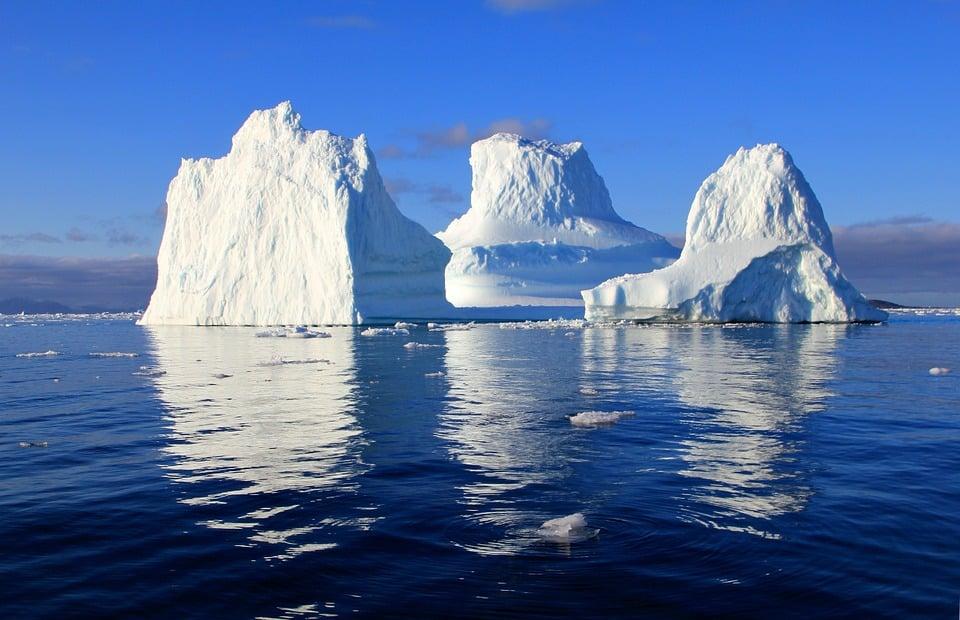 ijsbergen nabij Antarctica